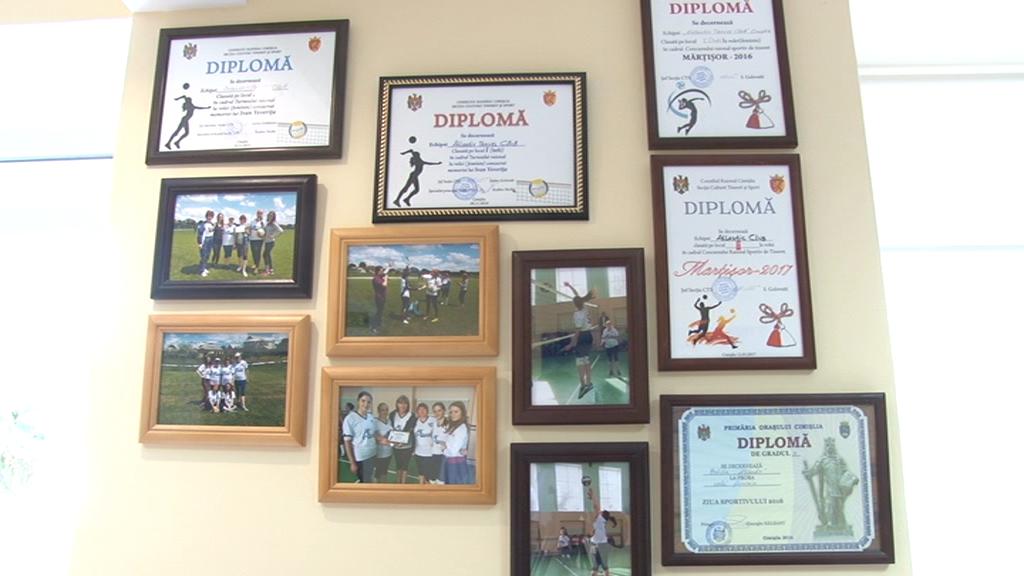 Diplome pentru echipa de volei a agenției de tursim din Cimișlia